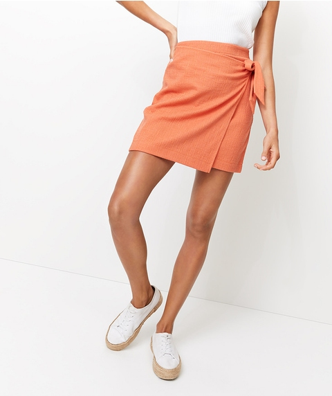 TEXTURED WRAP MINI SKIRT