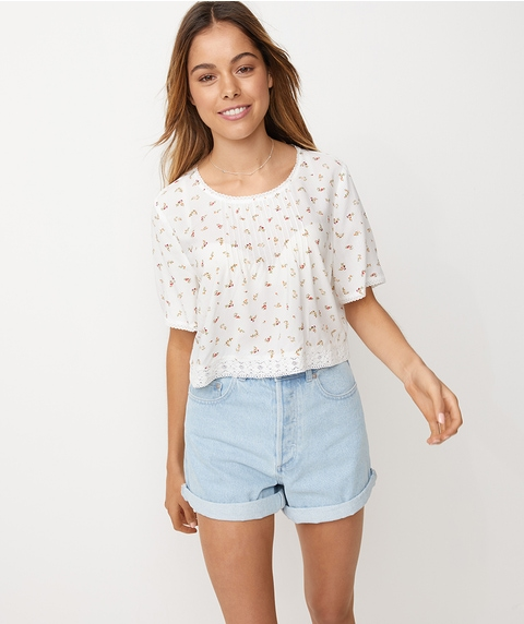 FLORAL LACE INSERT TEE