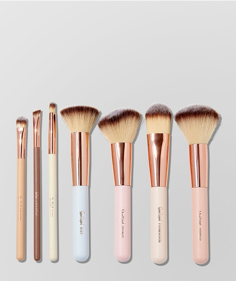 BRUSH WITH FAME – 7 PIECE SET