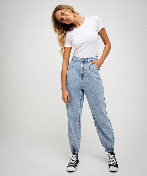 THE CUFFED SLOUCHY